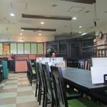 中国料理 揚州厨房 - 店内は割と広いですが。。