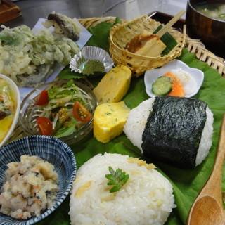 甘味茶屋 - 料理写真:数量限定 茶屋弁当1230円