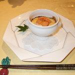 トゥ・ラ・ジョア - 一生忘れられない料理その1.河豚の白子ウニクリームソースのオーブン焼き(6月:絶品)ボノー・デュ・マルトレーのコルトン・シャルルマーニュ1996とのマリアージュが史上最高でした。