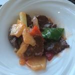 チャイナシャドー - 牛肉と甘酢しょうがの香り炒め