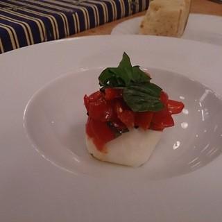 アンティカ オステリア バーチョ - 料理写真:ブラッテーナモッツァレラの中に生クリーム