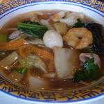 バーミヤン - 料理写真:五目麺。焼き餃子とのセットで969円