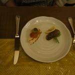 ア・ドマーニ - 料理写真:前菜3240円のコースは3口、1730円のコースは2口です。1080円のコースは1つでしょうね。