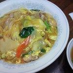 新華苑 - 料理写真:中華丼750円