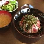 鉄板焼 いいべ家 - 山形牛炙り丼  味は悪くないけれど、 肉のボリュームがもう少し欲しい。