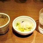 ローカルインディア - スープ、ミニサラダ、水