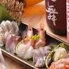 日本酒庵 吟の杜 - 料理写真:料理長の腕と経験から提供される新鮮な刺身と熟成刺身の盛り合せ。思わず酒も進みます。