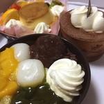 シャトレーゼ - 料理写真:『白玉抹茶』『ティラミス』『プリンアラモード』なり(^^)
