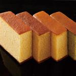 槌や - 左からプレーン・黒糖・和三盆・抹茶です