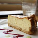 フラットホワイトコーヒーファクトリー - CHEESE  CAKE