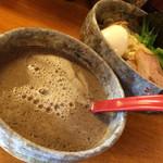 豚骨らーめん れん - 燻つけ麺スープ