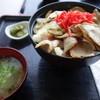 レストハウス 想い出のふらの - 料理写真:トントロ丼