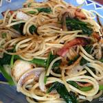 サロン・ド・マリィ・ルウ - ランチの帆立と野菜のガーリックパスタ