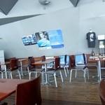 ハーバーズカフェ - 店内の一部