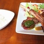 カフェレストラン亜詩麻 - ラム肉のバジルソースセット(ホットコーヒー)1990円