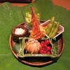 栞庵 やましろ - 料理写真:前菜は蓮の葉に乗って