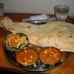 アニータ インドレストランアンドバー - 料理写真:スペシャルアニータセット(本来ならこれにライスがつきます) チキンティッカ2Pは先にきたので食べちゃいました…