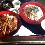 そばの矢車 - カツカレーと蕎麦(冷)