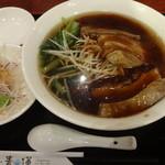 健康中華庵 青蓮 - 豚角煮麺+餃子4個:850円