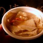 大成堂 - これはたまらない美味しさの「せんべい汁」