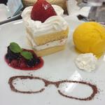 アニメイトカフェ - 月島のショートケーキプレート