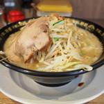 野郎ラーメン - 野郎ラーメン中太麺