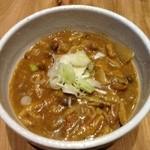 カレーうどん ひかり - カレーうどん、自家製スパイスのスープと特注国産小麦の香り豊かな太麺で、近日池袋の名物になる予定の味をご賞味下さい(笑)