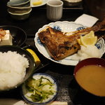 好文亭 - マグロかま焼定食(2009年12月)