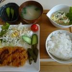 トヨキ - 料理写真:とんかつ定食800円珈琲付