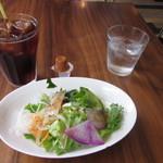 SAWAS食堂 - ランチサラダとアイスコーヒー 2014.7再訪