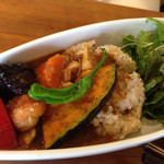 ジュウニ - 十二種類の野菜のカレー