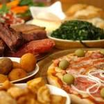Plaspa Rest.Suzuka - メインのお肉料理、ピザ、サラダバー、デザート