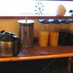 ヒツジキッチン - コーヒー、ジュースなど飲み放題?のドリンクバー(ランチ時)