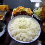たんぽぽ食堂 - B定食 880円