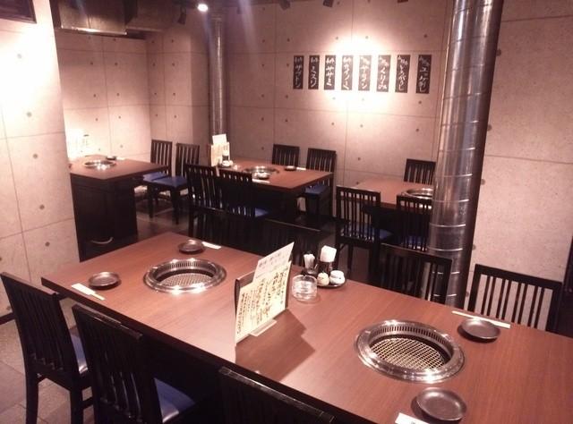 https://tabelog.ssl.k-img.com/restaurant/images/Rvw/28864/640x640_rect_28864449.jpg