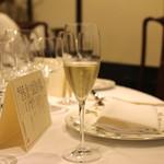 聘珍樓 - Champagne Pierre Peters Cuvee de Reserve Grand Cru Blanc de Blancs Brut