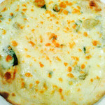 Junbo YA - 4種のチーズピッツァ。