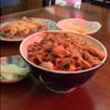 えびす - 料理写真:サービスセットのスタミナ丼と餃子(生卵お新香付き)850円