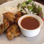 Cafe BOHEMIA - タンドリーチキン、ミニカレーのランチ