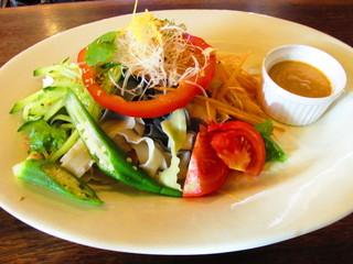 阿里山cafe - 五色刀削麺ピーナッツソース添え