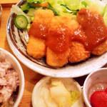 ムモクテキカフェ - (2013年3月撮影定食プレートと『樹海』という名の深緑の野菜ジュース)