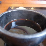 丸亀製麺 - この安さなのに、なかなか美味しい出汁です。