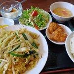 小龍門 - 日替わり定食(上海焼きそば)