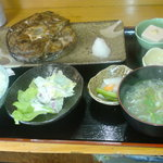 ふくふく亭 - まぐろのテール焼き定食@890
