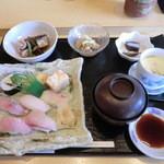 鮨 睡蓮 - お寿司盛り合わせ定食(1200円) 2014/7/18