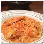 ナポリの食卓 - 料理写真:ワタリガニのトマトクリーム生パスタ。 割とちゃんとしてる。 ピッツァ食べ放題。驚異のコストパフォーマンス。 お腹いっぱいだー!