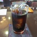珈琲のシャポー - 最後は100円追加してアイスにして貰ったコーヒーをいただいてお店の雰囲気ひたりました。