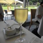 29142366 - スパークリングワインは600円。きちんと冷えてました。