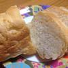 ラ・ブーランジュリー - 料理写真:フランスパン