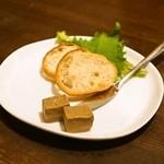 バード コート - 自家製レバーのパテ